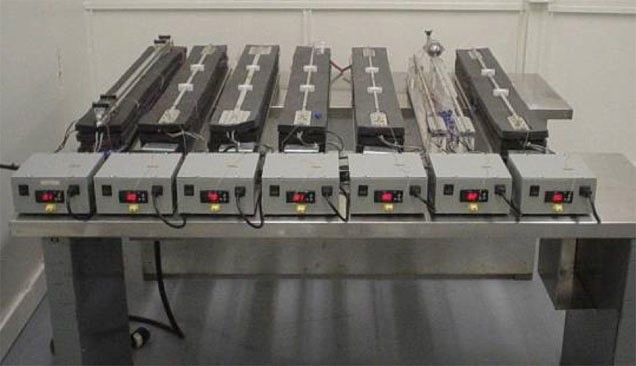 Heat Pipe Life Tests for Manufacturing Process Control.