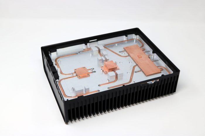 Heat pipe assembly in ruggedized chassis